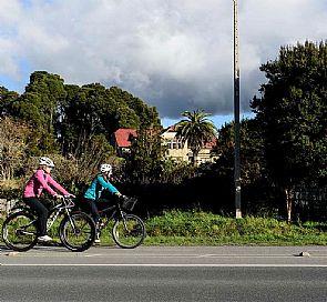 Vuelta al lago Llanquihue con visita a Petrohué y el volcán Osorno, con bicicletas a disposición