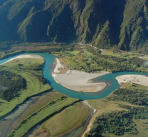 Puelo: The river that everyone wants to know