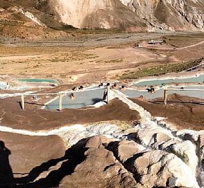Tour al embalse El Yeso y relajo en las Termas del Valle de Colina