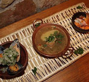 Cena show en restaurante Mesón del Río, en BordeRío