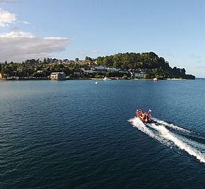 Walking tour around Puerto Varas and 20 minutes navigation in Llanquihue lake