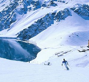 The 6 reasons why skiing in Chile is a unique experience