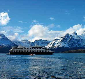 Stella Australis Cruise Ushuaia - Punta Arenas