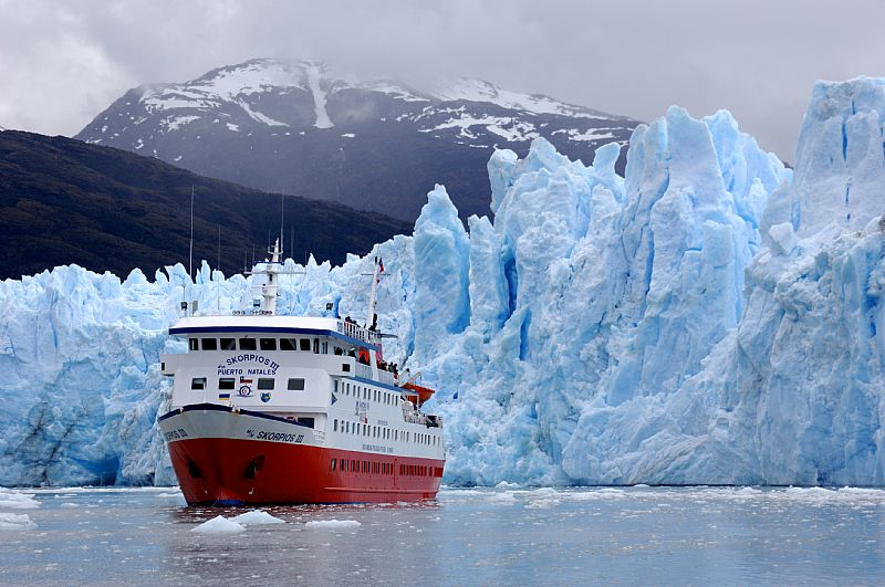 Crucero Skorpios: Navegación por glaciares de la Patagonia