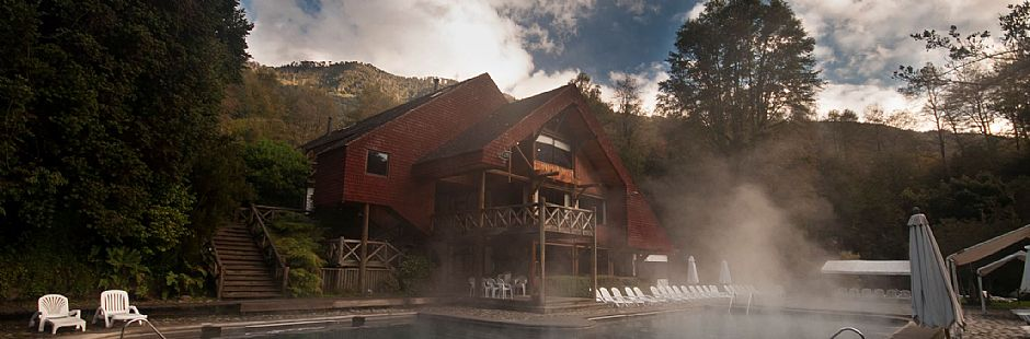 Relaxing in Huife Hot Springs